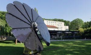 Panneau photovoltaïque fleur