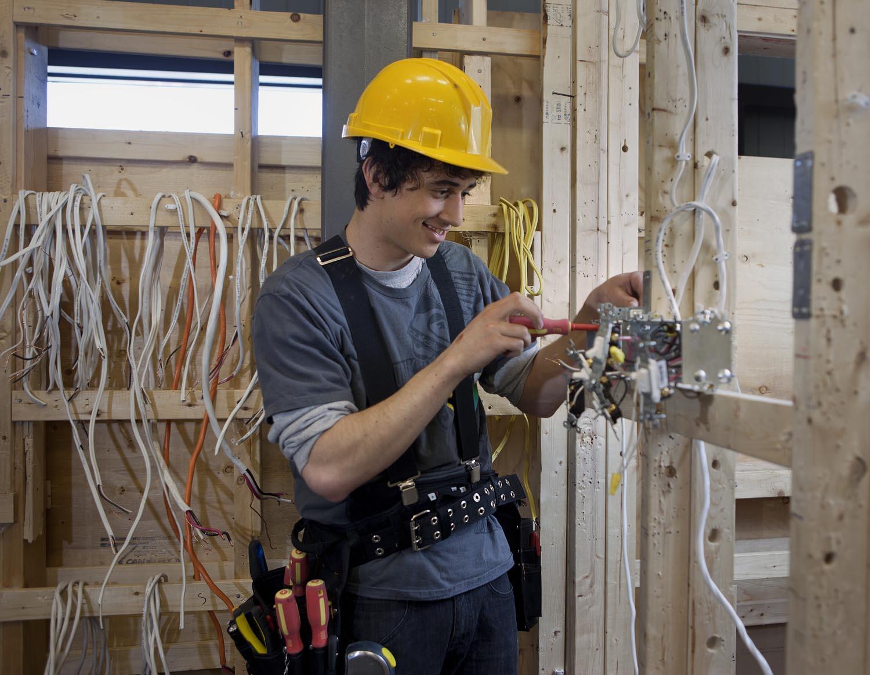 electricien-en-bâtiment